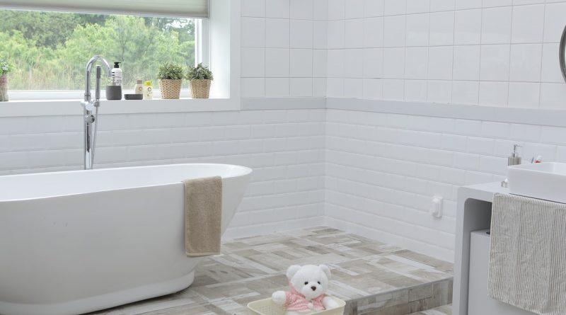 Natuursteen in de badkamer tover het om tot een hamam